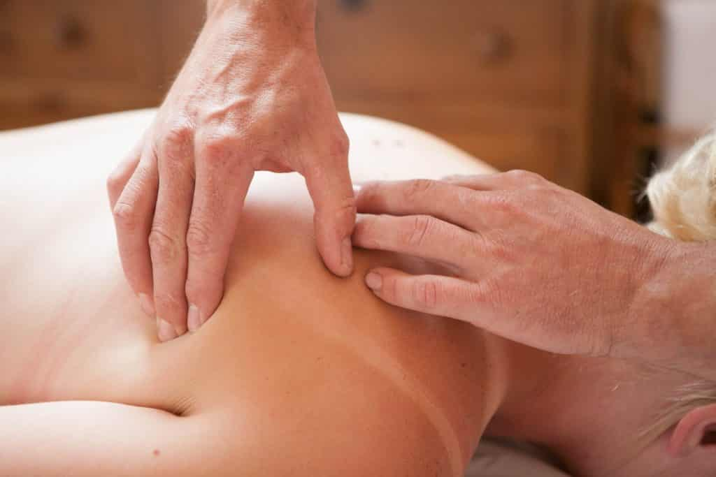 Thai Oil Massage | Osteopath Crawley | The Richards' Centre