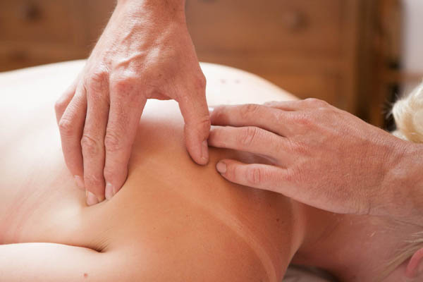 A picture of someone having Osteopathy