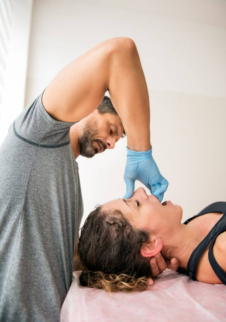How can an Osteopath help with sinus pain?